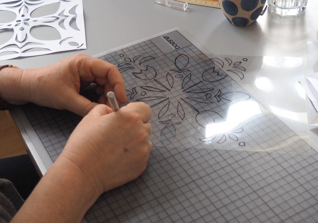 Scherenschnitt-Musterentwürfe im Workshop nach ©müllerinart
