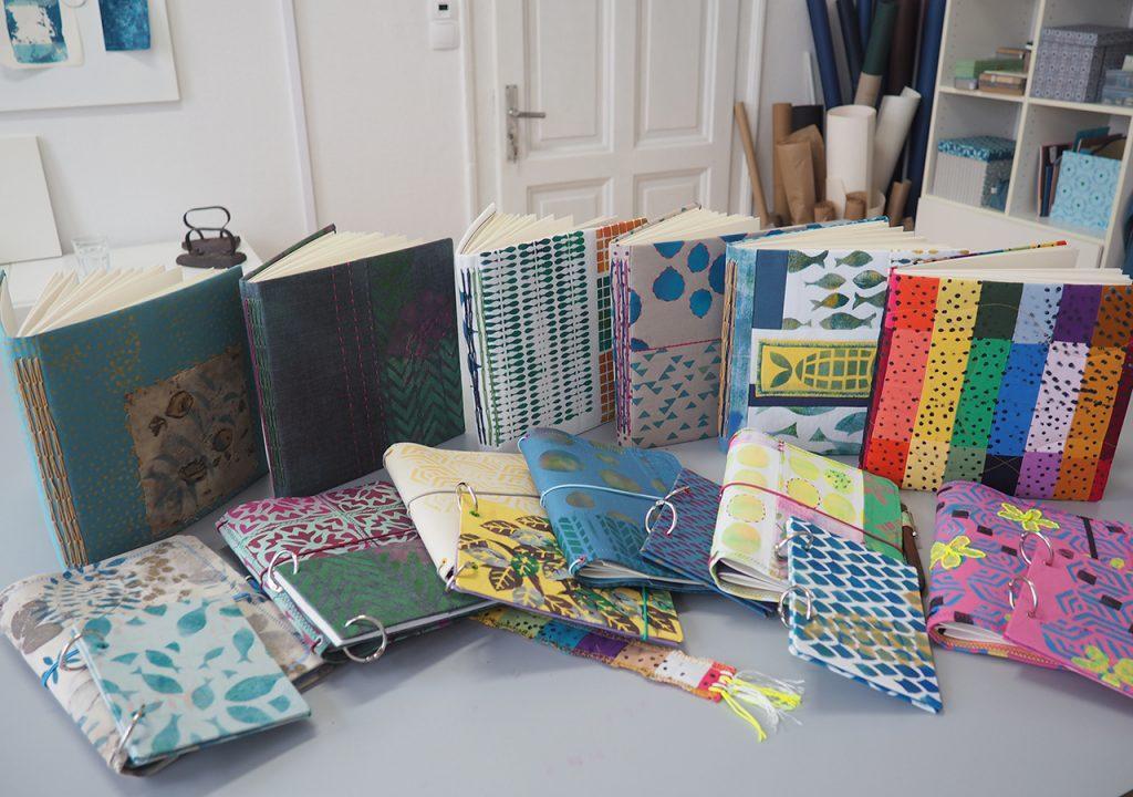 Textile Bücher im Müllerin Art Studio ©muellerinart