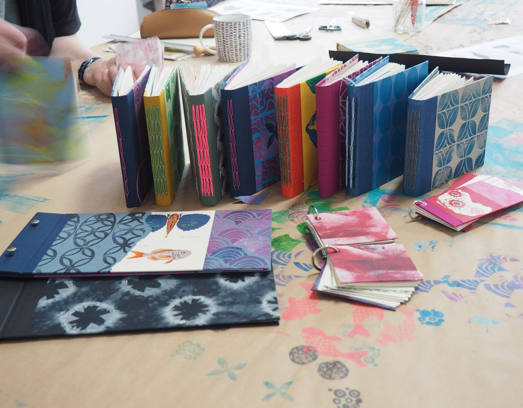 Bunte Bücher Workshop im Mai ©muellerinart