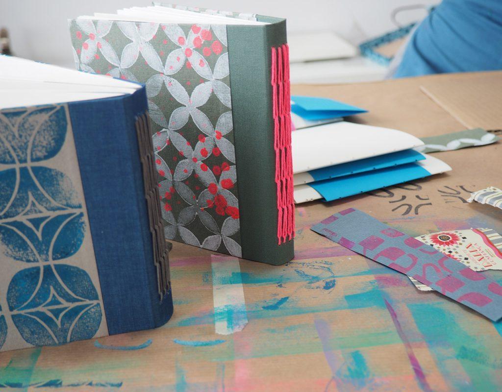 Bunte Bücher Workshop im Mai ©muellerinart