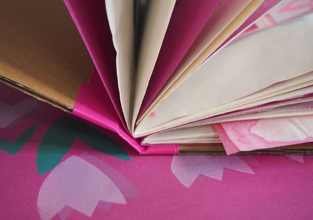 Pinkes Buch ©muellerinartstudio