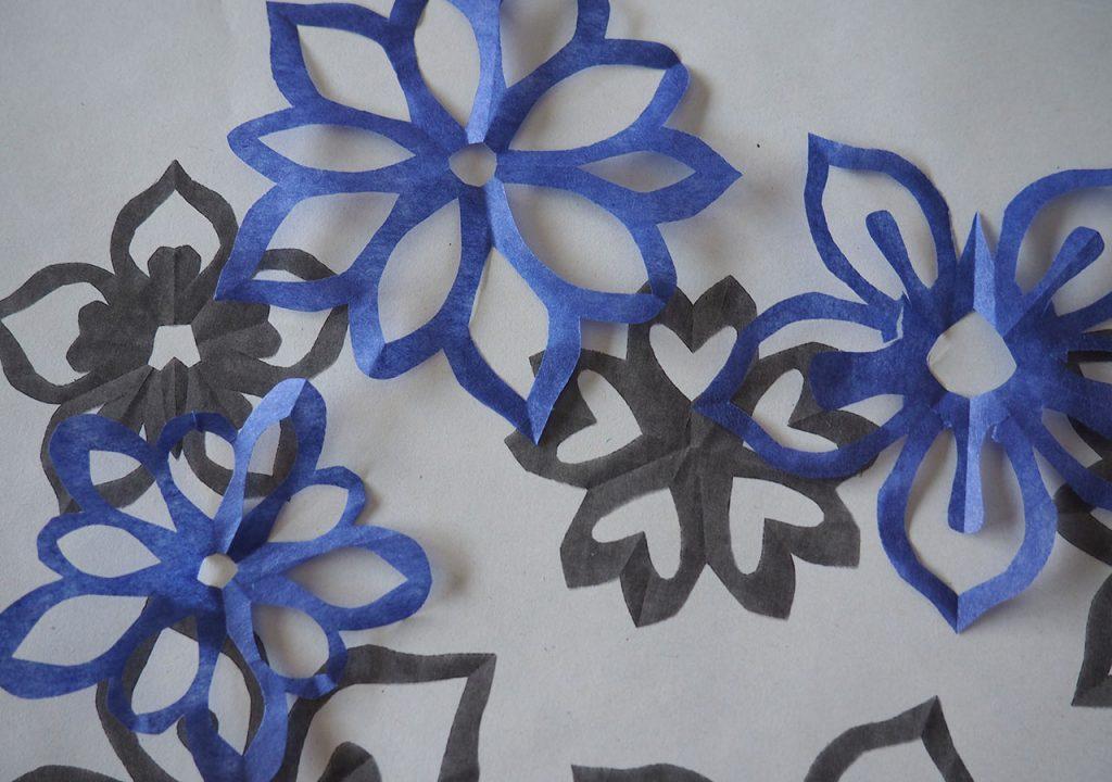 Kirschblüten-Scherenschnitt ©muelleriartstudio