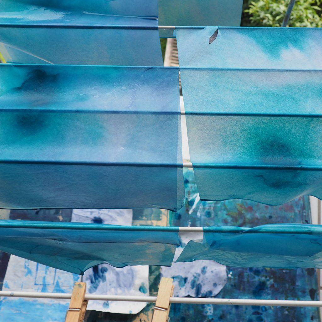 Blaue Seidenumschläge nach ©muellerinart