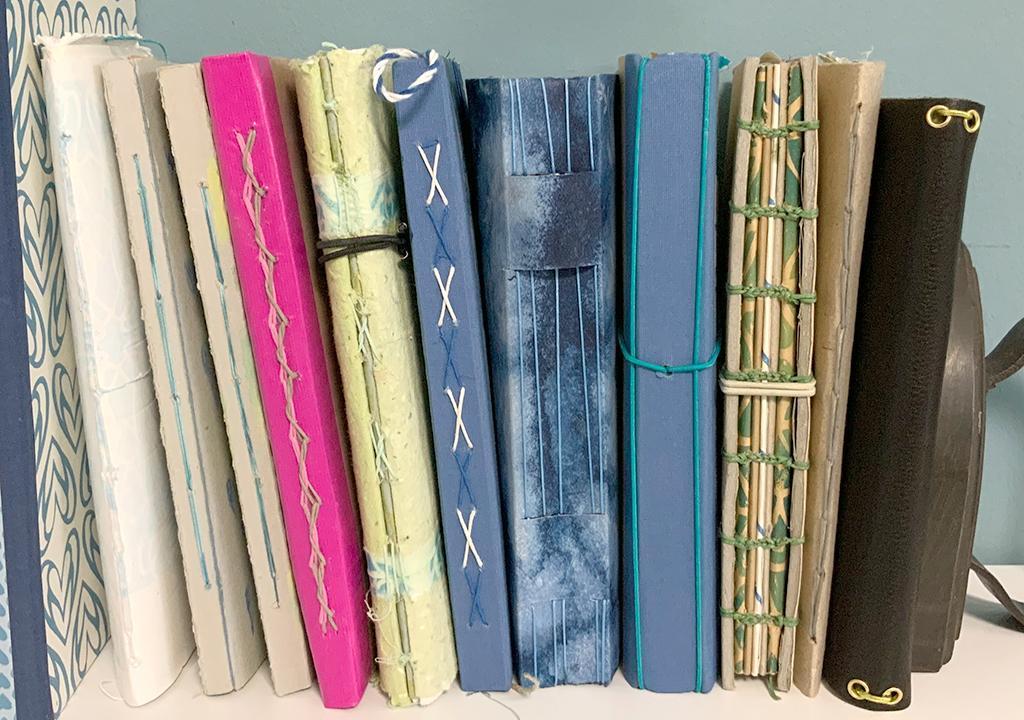 Monatsbücher 2020 ©muellerinartstudio