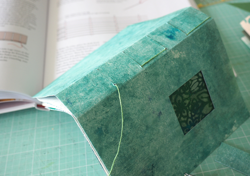 Bücher binden Grünes Buch ©muellerinart