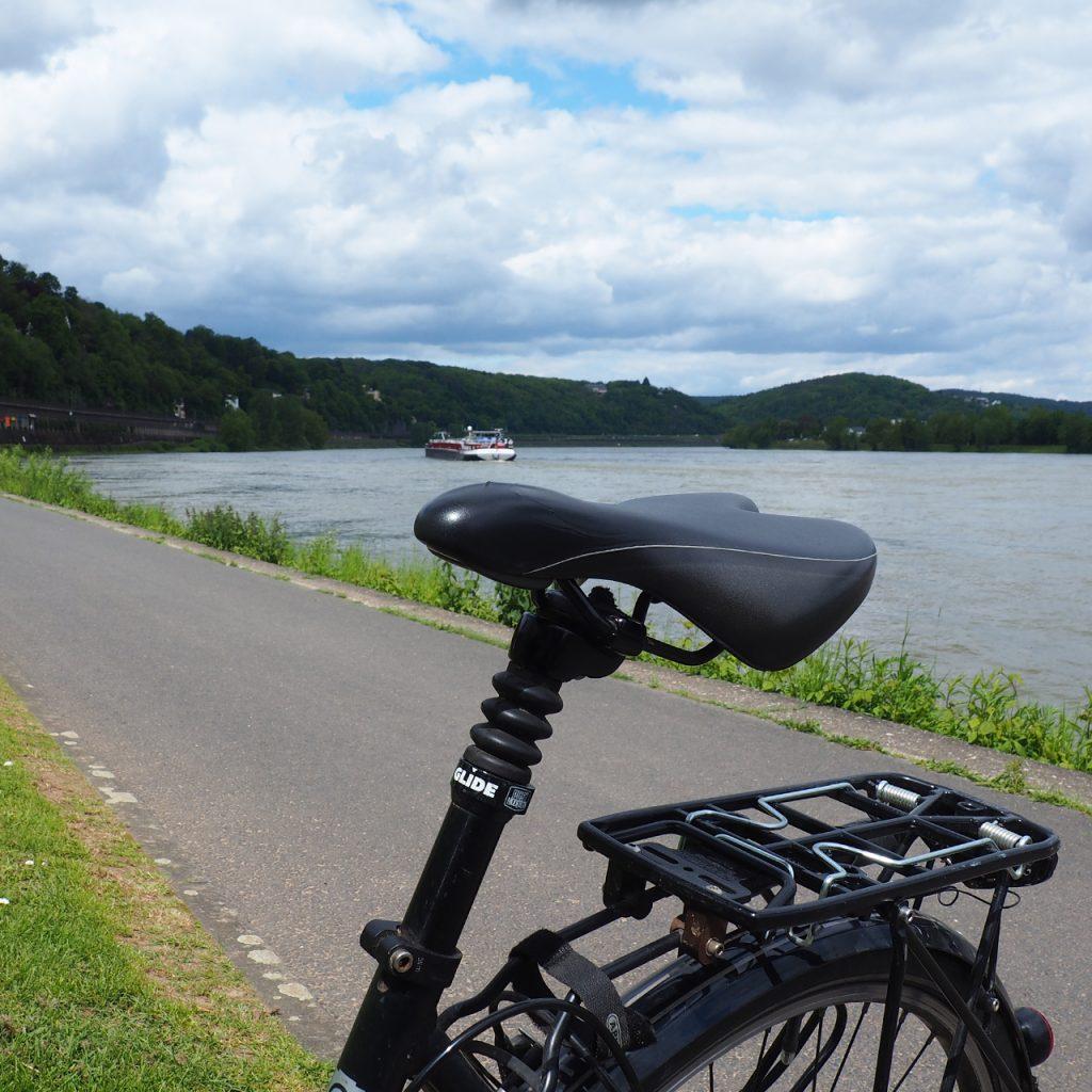 Rheinradtour ©muellerinart